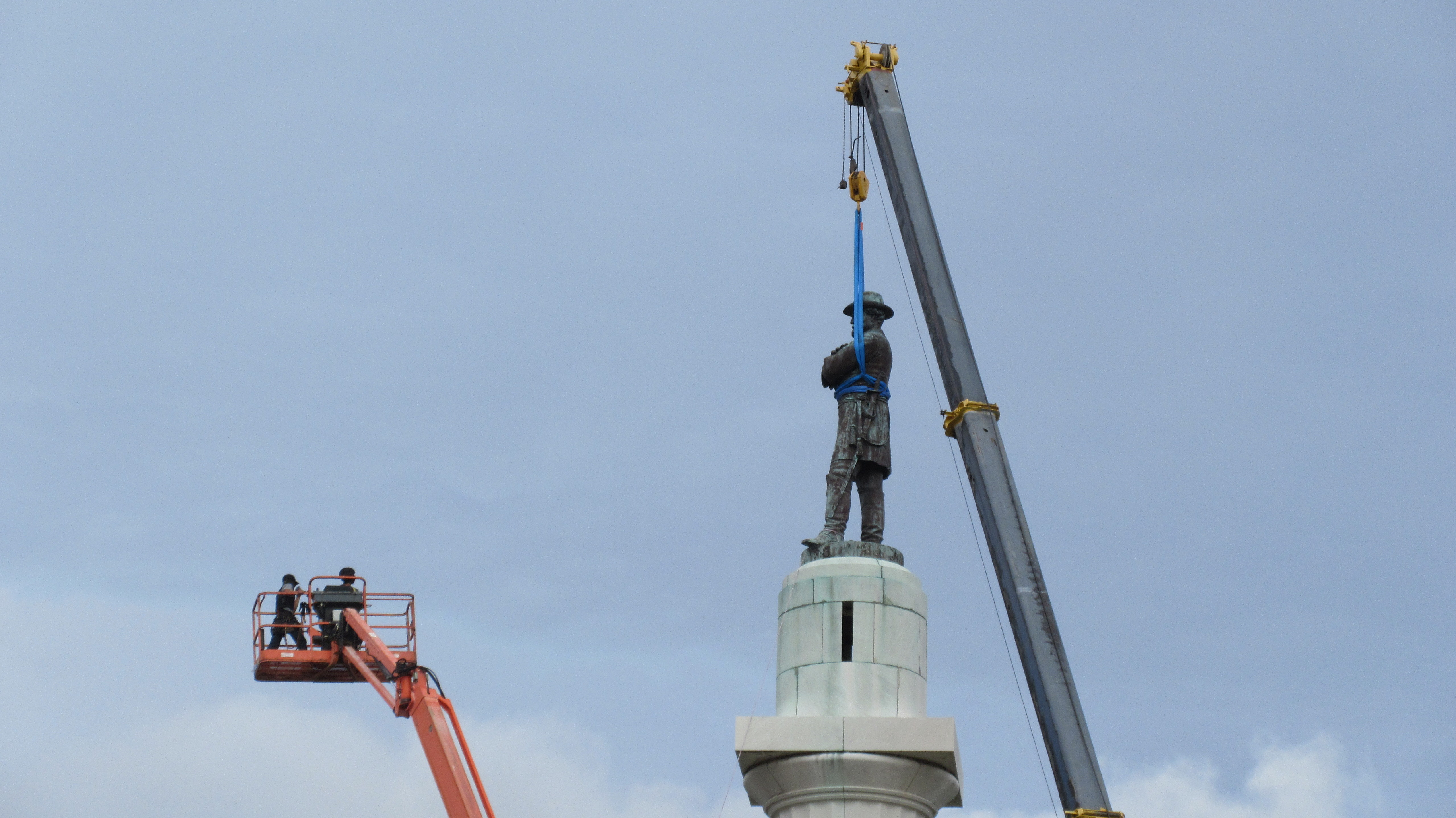 Robert E Lee New Orleans Confederate Statue
